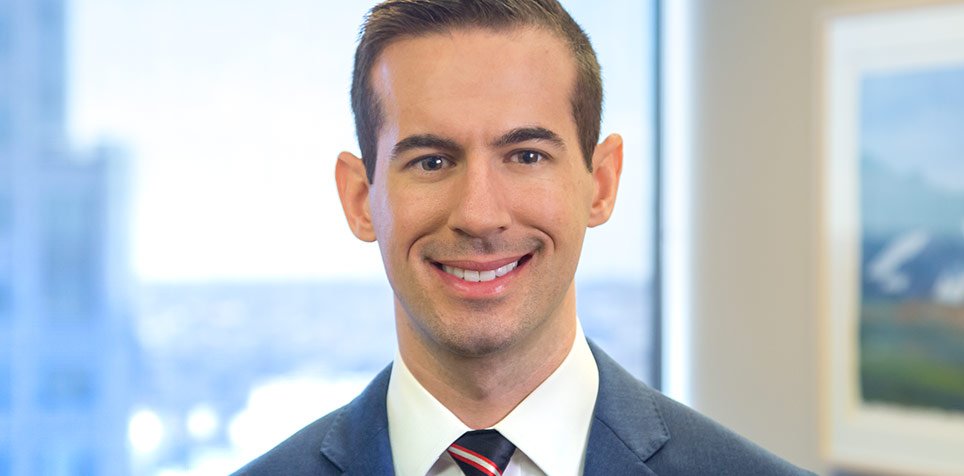 Christopher Minue - Commercial Litigation - Nixon Peabody LLP